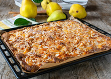 Cake With Quinces And Almonds