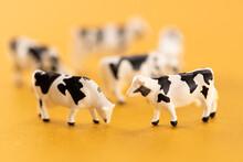 牛のおもちゃ