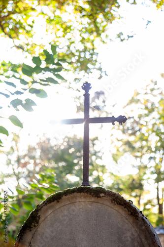 Foto croix sur une tombe