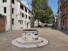 Old Well In The Courtyards Of ...