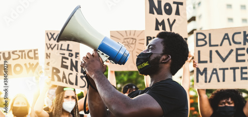 Photo Activist movement protesting against racism and fighting for equality - Demonstr