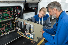 Mechanics Checking The Problem Of The Campervan