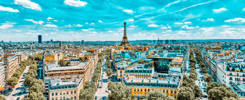Cuadros en Lienzo Beautiful panoramic view of Paris from the roof of the Triumphal Arch