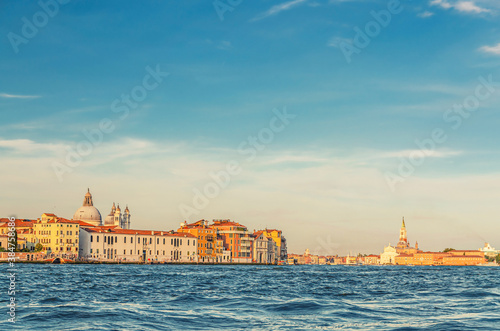 Fotografía Venice cityscape with water of Giudecca canal of Venetian lagoon, embankment of