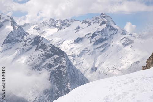 berge wolken #384768440