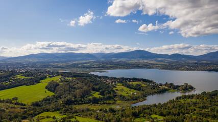 Panorama miasta żywiec - jezioro żywieckie, widok na skrzyczne