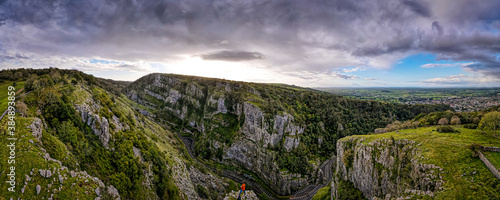 Obraz Photographer taking shots of Cheddar Gorge in England - fototapety do salonu