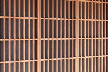 和風家屋の玄関の格子戸
