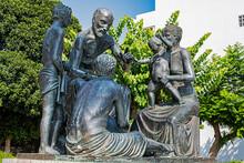 Hippokrates-Denkmal Auf Der In...