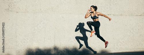 Obraz Fitness woman doing cardio exercise - fototapety do salonu