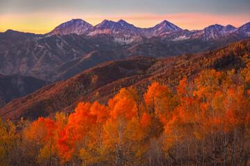 Obraz na Szkle Góry Autumn sunrise in the Wasatch Back, Utah, USA.