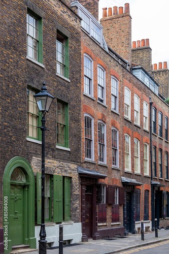 Fototapeta Georgian terraced town house in Spitafields London once the home of a wealthy Hu