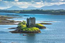 Castle On Island - Castle Stal...