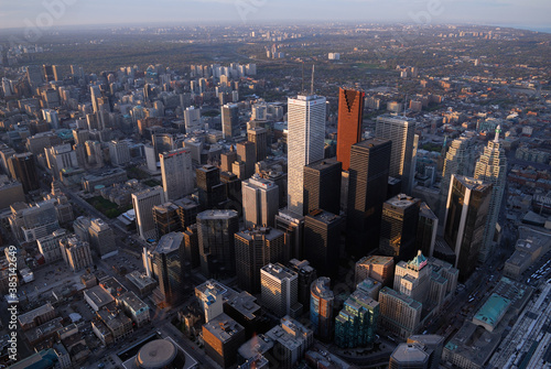 Naklejka premium Arial view of Toronto financial district from the CN tower