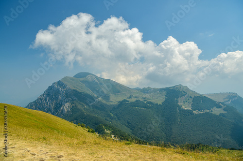 Photo View on Monte Altissimo di Nago peak above Lake Garda in Italy