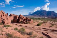 Valle Colorado Con Cielo Azul ...