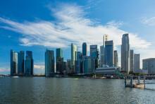シンガポールのダウン...