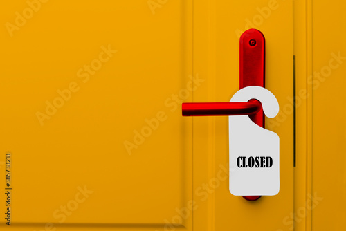 Closed door with a closed sign Fotobehang