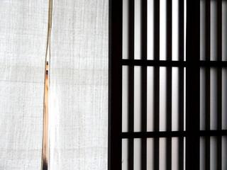 格子戸と暖簾