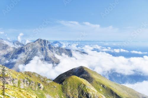 Fotografía The Mucrone mountain, a beautiful mountain in the Biellese pre-Alps, shrouded in fog