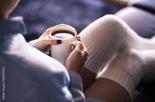 Obraz na plátně Cup of morning tea in winter