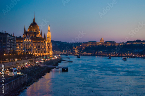 Obraz na plátně Hungarian parliament side view at dusk, Budapest, Hungary