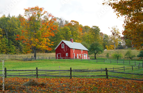 Fototapeta farm house in the autumn farmland obraz