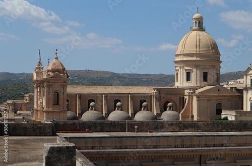 Cuadros en Lienzo Noto - Scorcio del Duomo dal campanile del Monastero del Santissimo Salvatore
