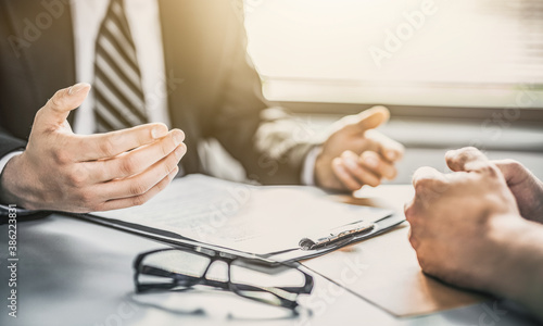 Obraz na plátně Insurance agent presentation and consultations with a lawyer or insurance agent
