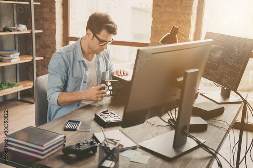 Valokuva Portrait of his he nice attractive busy skilled experienced focused geek guy rep