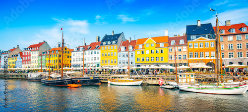Wide panoramic view of Nyhavn harbour in Copenhagen, Denmark Fototapet