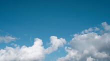 Chmury Na Tle Błękitnego Nieba