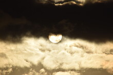 Pochmurny Zachód Słońca