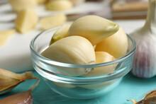 Fresh Peeled Garlic Cloves In ...