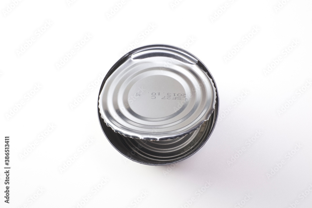 Fototapeta 缶切りで蓋を開けた空缶
