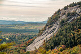 Fototapeta Big Ben - Rocky side of a mountain in the fall in New England