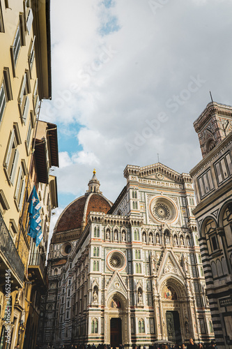 Naklejka premium Vista de la catedral de santa maria del fiore, floencia, italia