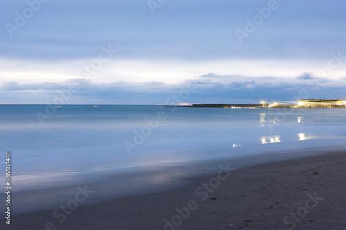 Obraz na plátně 明け方の海岸
