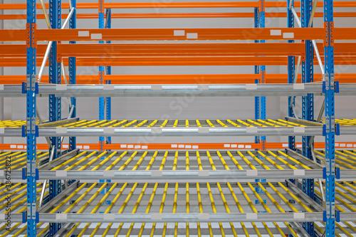 Fotografie, Tablou New Gravity Flow Rack Distribution Warehouse