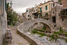 Zuccarello Architectures And H...