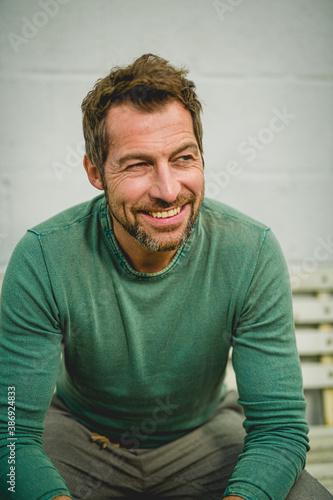 sympathischer Mann im mittleren Alter mit Positiver Ausstrahlung Canvas Print
