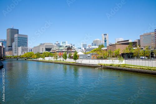 Fototapeta 大阪市中央公会堂と大阪市役所