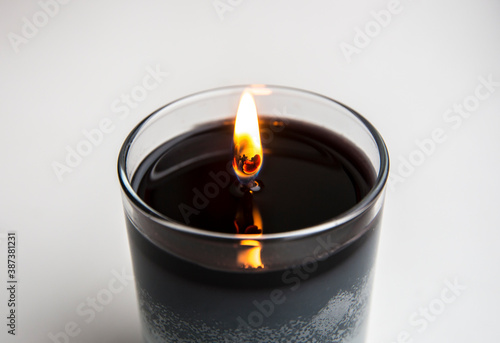 Photo When burning candle, let top layer melt through so the wick will last longer and wont drown in wax