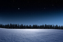 Winterliche Landschaft Mit Tan...