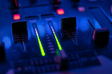 Audio Controller On Mixing Dj ...