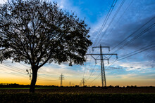Stromtrassen Im Herbsthimmel
