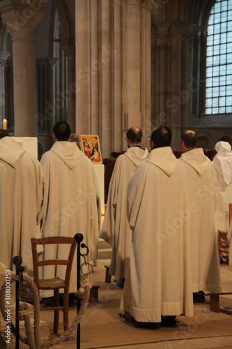 Canvas Chorale religieuse dans la basilique Sainte-Marie-Madeleine de Vézelay