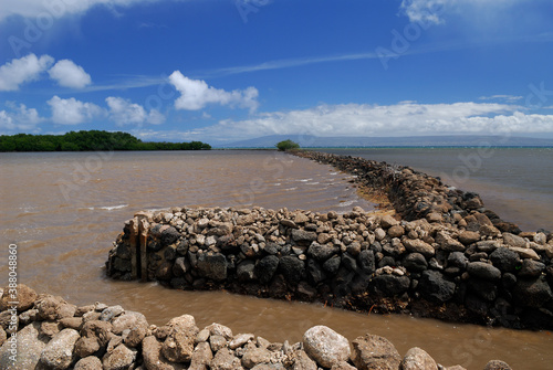 Carta da parati Ancient classic fish ponds on Molokai