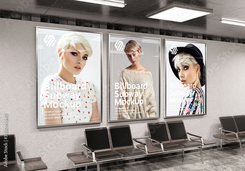 Obraz 3 Vertical Billboards in Subway Station Mockup - fototapety do salonu