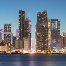 USA, New York, New York City, Manhattan Skyline At Night